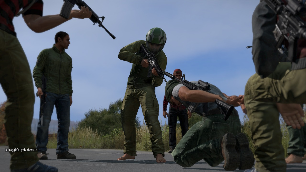 Quelle: http://www.game-2.de/wp-content/uploads/ngg_featured/dayz-standalone-bandits-with-survivor.jpg